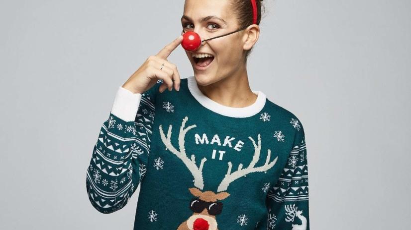 Julegenserbutikken.no sin 2017 kolleksjon. Modeller fra Pholk/Heartbreak og fotografert av Alexander Sylte. Se hele kolleksjonen på julegenserbutikken.no