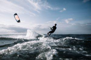 Lär dig att kitesurfa på Öland
