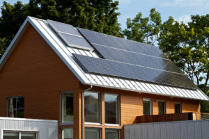 Tjäna pengar på ditt hus med solenergi