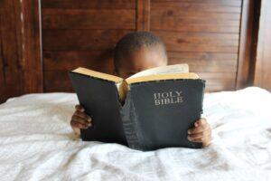 Biblar för barn på en kristen webbshop